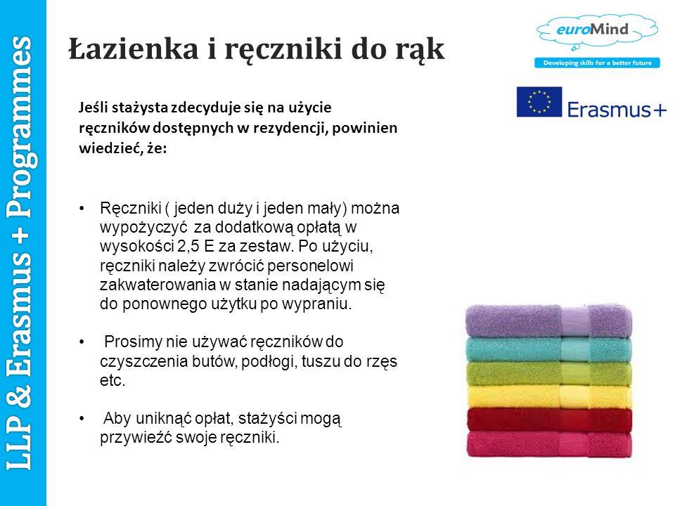 Łazienka i ręczniki do rąk Jeśli stażysta zdecyduje się na użycie ręczników dostępnych w rezydencji, powinien wiedzieć, że: Ręczniki ( jeden duży i jeden mały) można wypożyczyć za dodatkową opłatą w wysokości 2,5 E za zestaw.