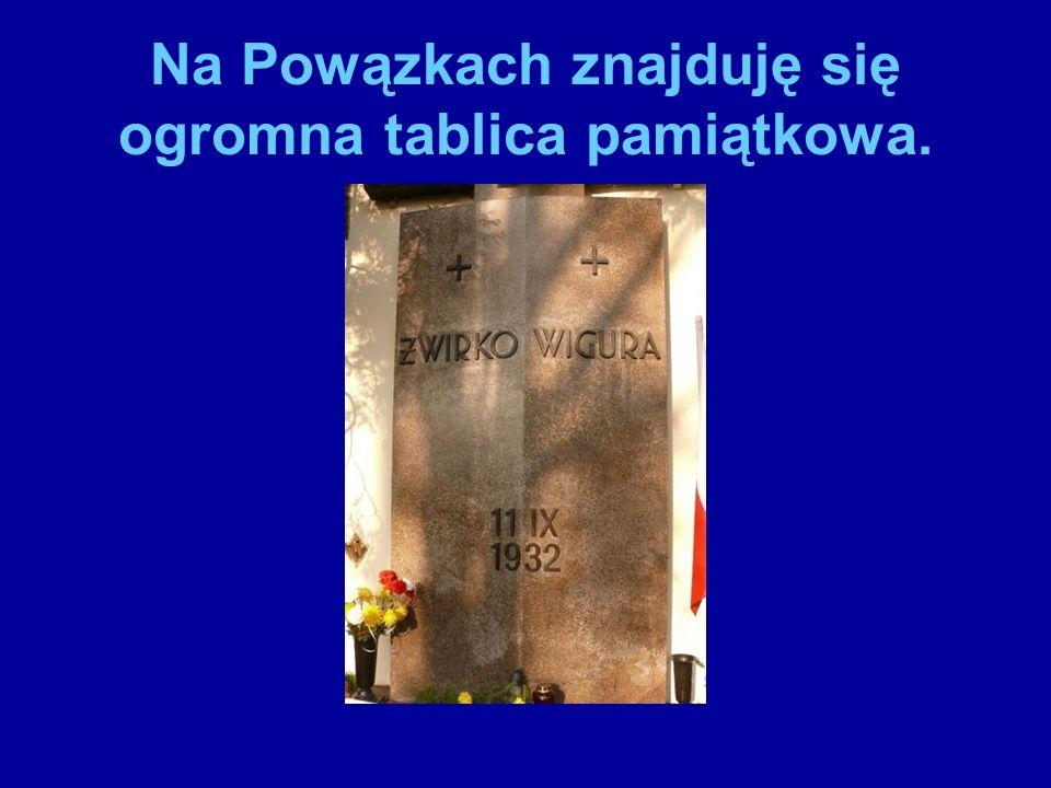 Na miejscu katastrofy powstał pomnik ku ich czci.