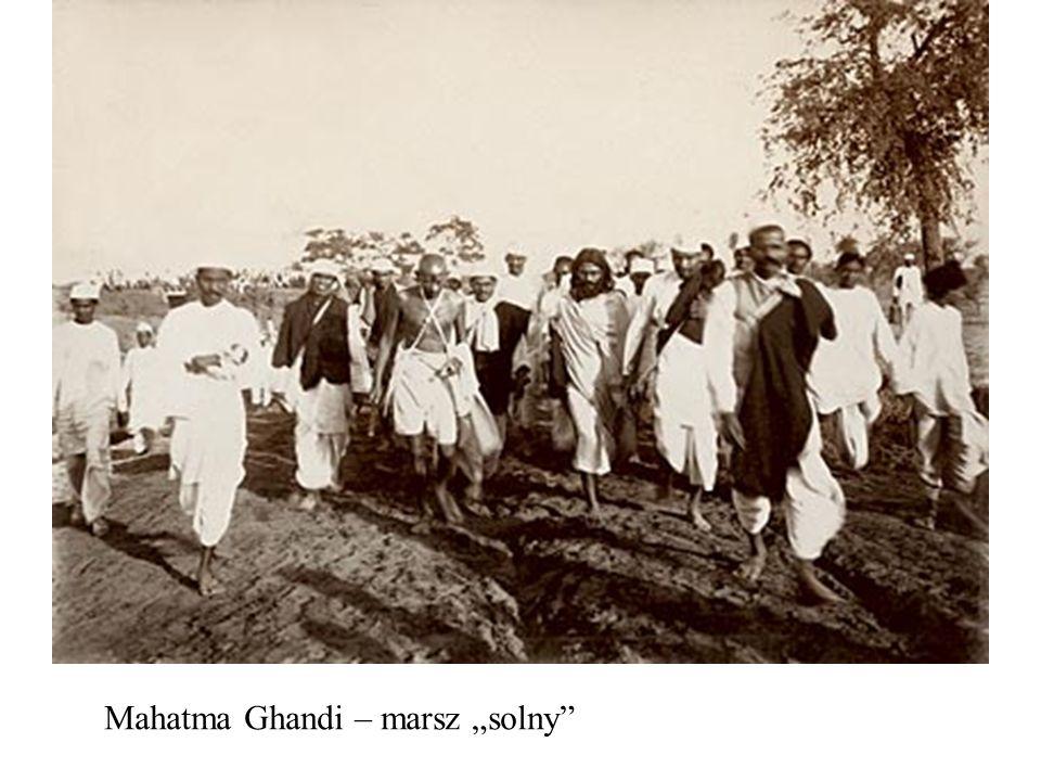"""Mahatma Ghandi – marsz """"solny"""