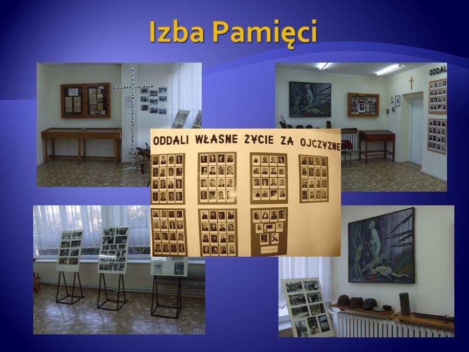 Szkoła od wielu lat zajmuje czołowe miejsca w konkursach przedmiotowych organizowanych przez Pomorskiego Kuratora Oświaty.