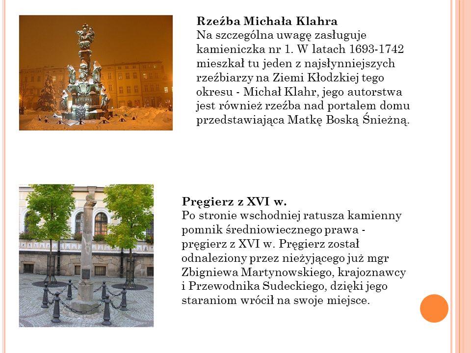 Rzeźba Michała Klahra Na szczególna uwagę zasługuje kamieniczka nr 1.