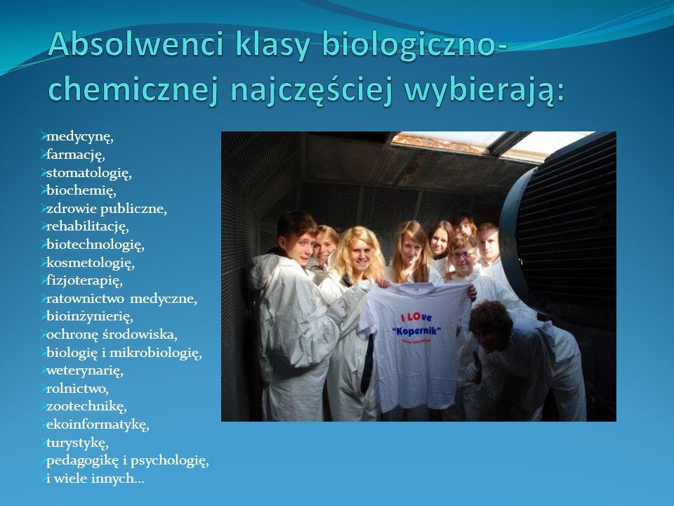  medycynę,  farmację,  stomatologię,  biochemię,  zdrowie publiczne,  rehabilitację,  biotechnologię,  kosmetologię,  fizjoterapię,  ratowni