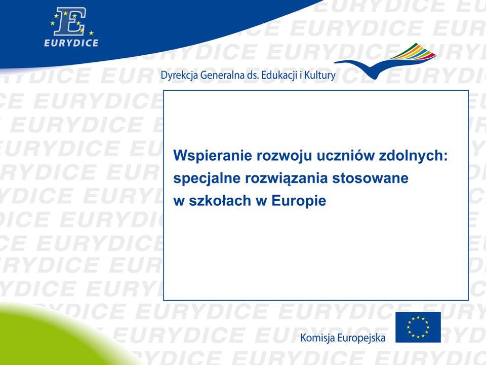 """MODELE ROZWIĄZAŃ SYSTEMOWYCH POLITYKI EDUKACYJNEJ WOBEC UCZNIÓW ZDOLNYCH Modele """"integracyjne oparte na zasadzie równości szans i powszechnym zindywidualizowaniu nauczania Modele """"selektywne proponujące specjalne rozwiązania (tylko) dla uczniów zdolnych Norwegia Finlandia Szwecja Islandia Malta Czechy Łotwa Polska Pozostałe kraje UE"""