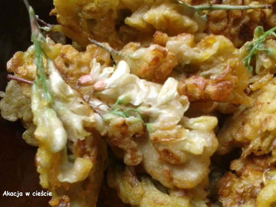 Kwiaty szczypiorku - jego kwiaty podobnie, jak kwiaty czosnku, idealnie nadają się jako dodatek do pikantnych potraw.