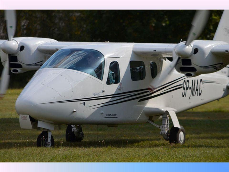 Klienci: Szkolenia lotnicze dedykowane są zarówno personelowi już latającemu, chcącemu uzyskiwać nowe uprawnienia lotnicze, ewentualnie podnosić lub utrzymywać nabyte do tej pory kwalifikacje, z drugiej strony tym, którzy dopiero rozpoczynają swoją przygodę z lataniem (szkolenia podstawowe)