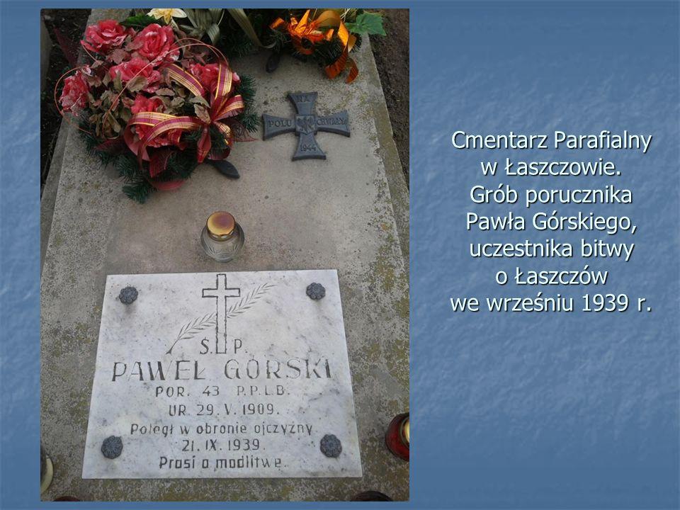 21 września 1939 r. – wojska Frontu Północnego walczące w II bitwie tomaszowskiej, stoczyły z Niemcami bój o Łaszczów. Zginęło wówczas 300 żołnierzy,