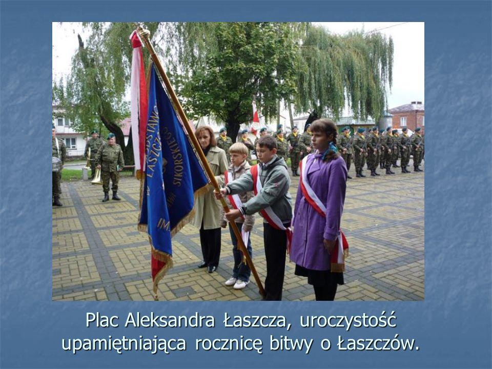 Cmentarz Parafialny w Łaszczowie. Grób porucznika Pawła Górskiego, uczestnika bitwy o Łaszczów we wrześniu 1939 r.