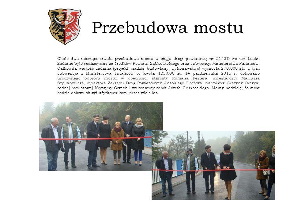 Mostek Błotnica W okresie letnim sołtys wsi Błotnica zorganizował prace związane z wykonaniem nowego mostku z elementów drewnianych przez ciek wodny do zbiornika Topola.