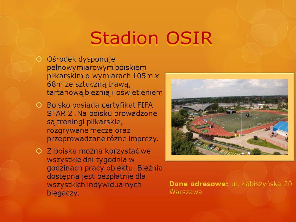  Ośrodek dysponuje pełnowymiarowym boiskiem piłkarskim o wymiarach 105m x 68m ze sztuczną trawą, tartanową bieżnią i oświetleniem  Boisko posiada ce