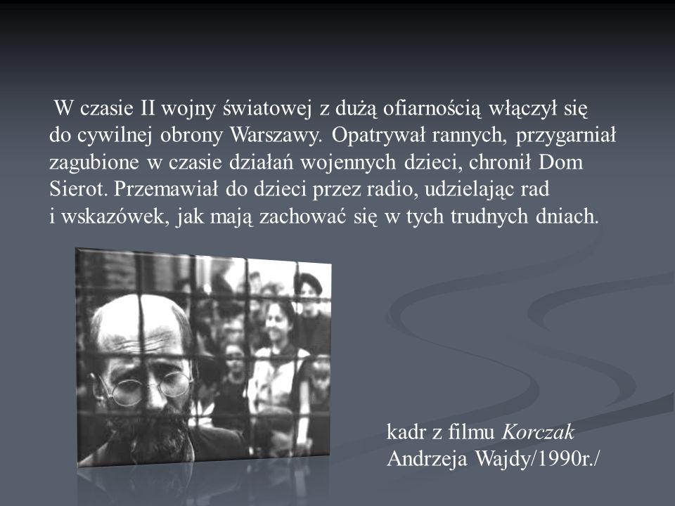 W czasie II wojny światowej z dużą ofiarnością włączył się do cywilnej obrony Warszawy.