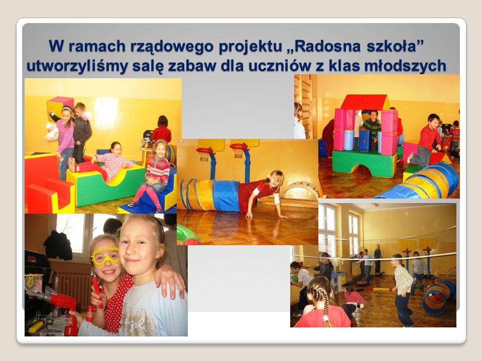 """W ramach rządowego projektu """"Radosna szkoła utworzyliśmy salę zabaw dla uczniów z klas młodszych"""
