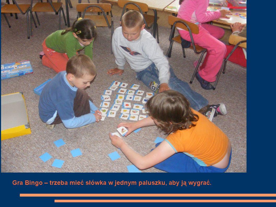Gra Bingo – trzeba mieć słówka w jednym paluszku, aby ją wygrać.