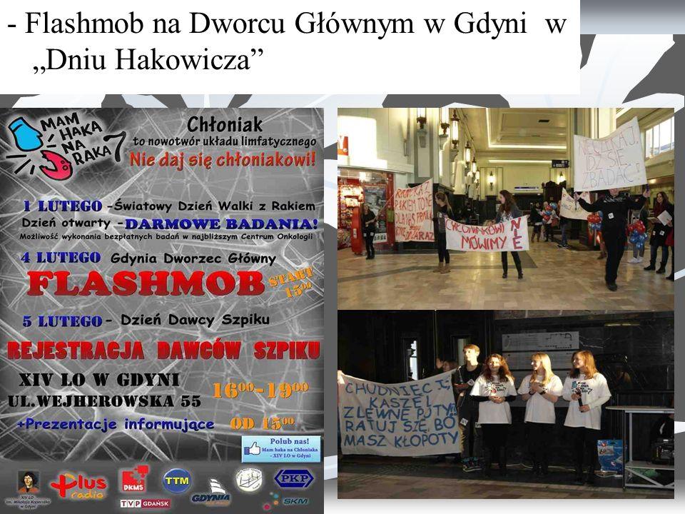"""- Flashmob na Dworcu Głównym w Gdyni w """"Dniu Hakowicza"""