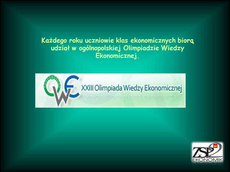 Każdego roku uczniowie klas ekonomicznych biorą udział w ogólnopolskiej Olimpiadzie Wiedzy Ekonomicznej.