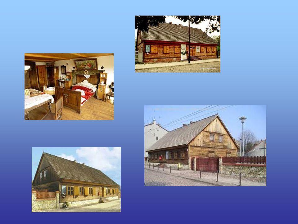 Muzeum mieści się w domu, w którym Święty - Patron Naszego Miasta, przyszedł na świat. Jest to odremontowany według dawnych wzorów dom tkacki. Muzeum