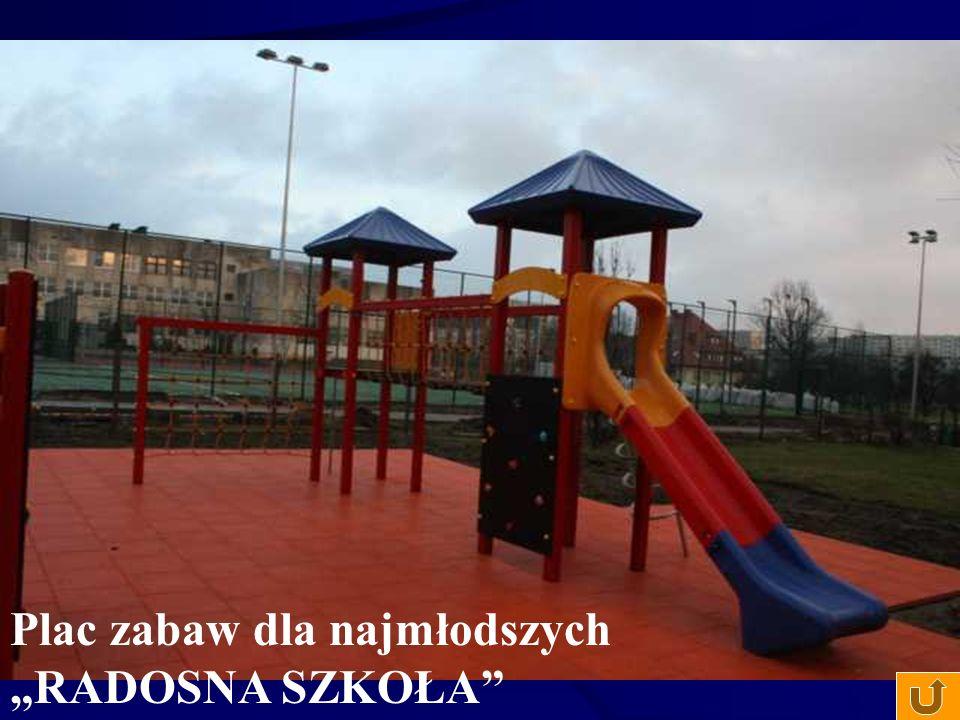 """Plac zabaw dla najmłodszych """"RADOSNA SZKOŁA"""""""