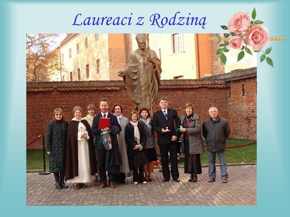 Na Wawelu Pomaga nam w organizacji świąt Królowej św.