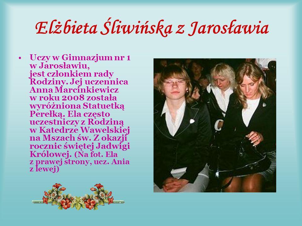 Marta Sobolewska z Krakowa Marta należy do Rady Rodziny, jest naszą,,łączniczką z SP nr 82 w Krakowie.