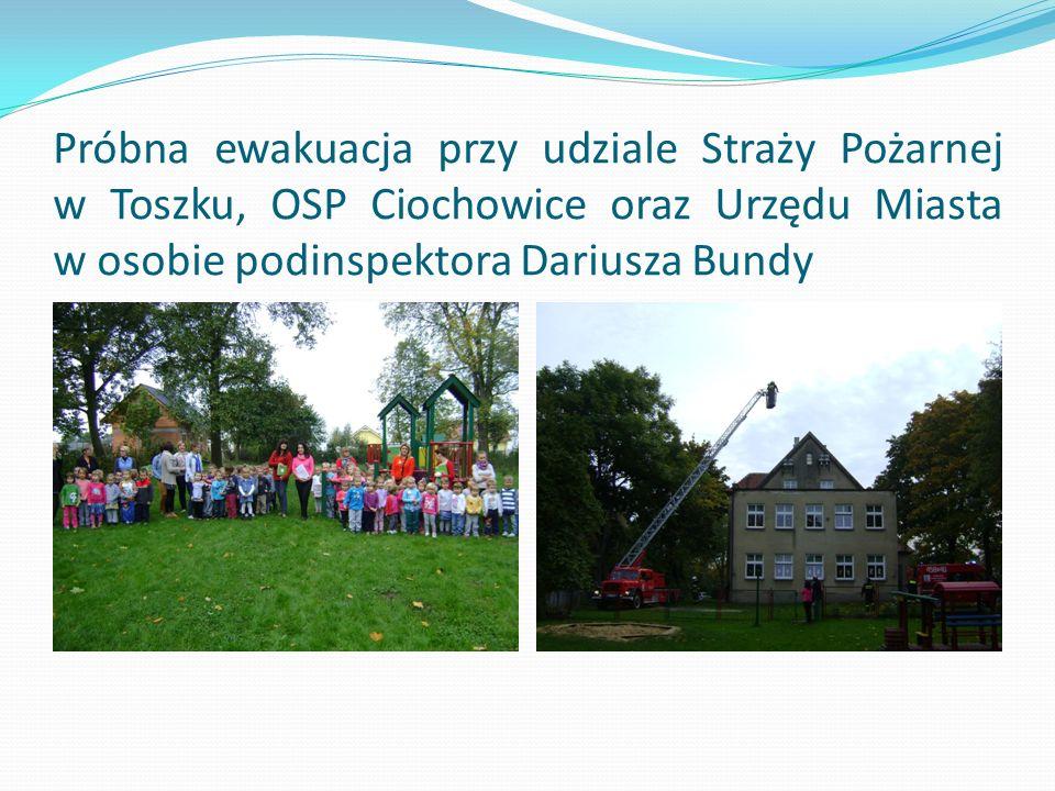 Próbna ewakuacja przy udziale Straży Pożarnej w Toszku, OSP Ciochowice oraz Urzędu Miasta w osobie podinspektora Dariusza Bundy
