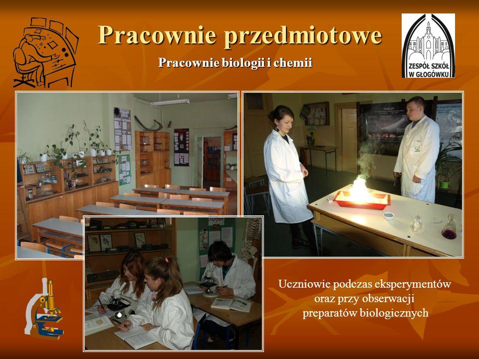 Pracownie przedmiotowe Pracownie biologii i chemii Uczniowie podczas eksperymentów oraz przy obserwacji preparatów biologicznych