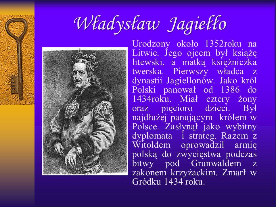 Urodzony około 1352roku na Litwie. Jego ojcem był książę litewski, a matką księżniczka twerska.