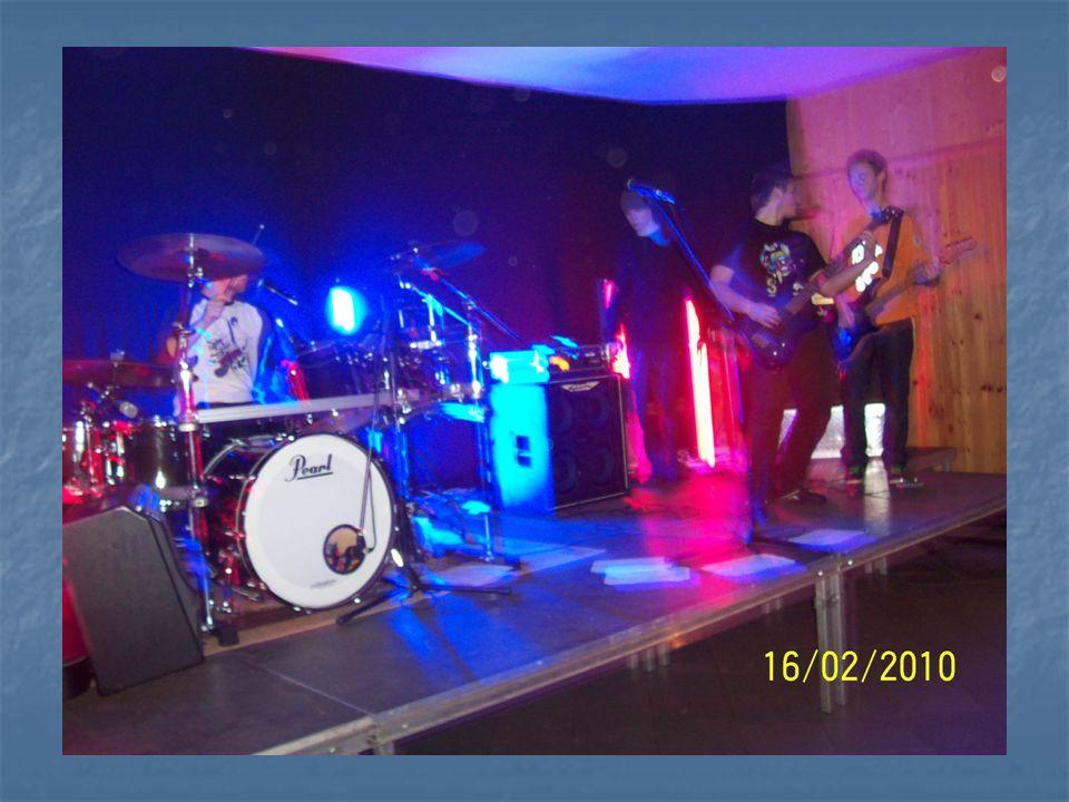16 lutego na sali Klubu Młodzieżowego, odbył się koncert rockowy dla młodzieży.