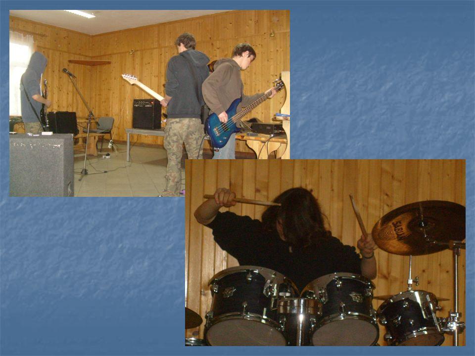 W miesiącu styczniu, kilka razy w tygodniu w Klubie odbywały się próby zespołu rockowego P.E.T Zespół działa przy Klubie Młodzieżowym.
