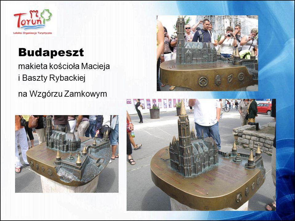 Meksyk Pomnik Jana Pawła II odlany z przetopionych KLUCZY zebranych wśród mieszkańców miasta