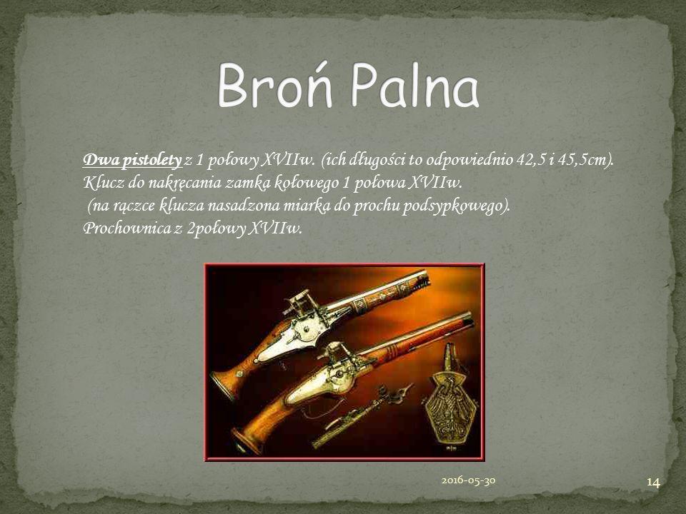 Dwa pistolety z 1 połowy XVIIw. (ich długości to odpowiednio 42,5 i 45,5cm).