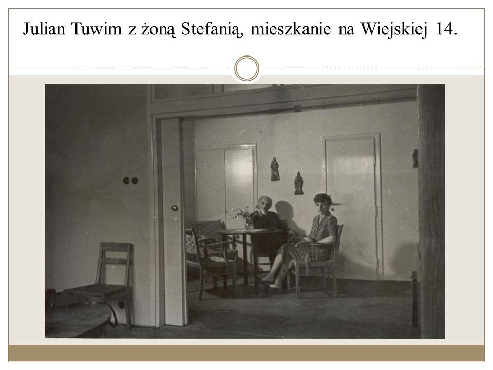 Julian Tuwim z żoną Stefanią i córką Ewą, 1947 r.