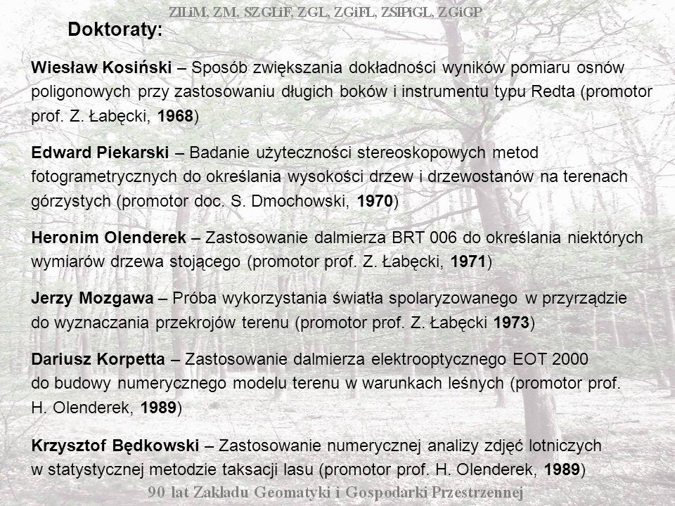 Wiesław Kosiński – Sposób zwiększania dokładności wyników pomiaru osnów poligonowych przy zastosowaniu długich boków i instrumentu typu Redta (promotor prof.