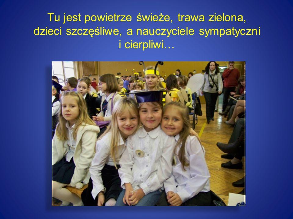 """Nasza szkoła Szkoła znajduje się na terenie otuliny Lasu Łagiewnickiego - w """"zielonych płucach Łodzi ."""