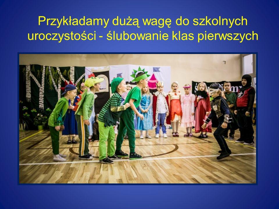 """Mamy zespół boisk """"Orlik i plac zabaw zbudowany w ramach rządowego programu """"Radosna Szkoła"""