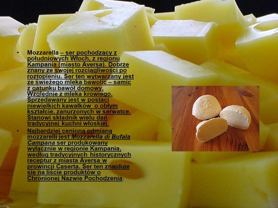 Przepis na sernik Składniki: 1 kg sera, 25 dag ugotowanych ziemniaków, 20 dag tłuszczu, 30 dag cukru, 5 jajek, proszek do pieczenia (trochę w palcach), rodzynki, trochę kakao, ciastka herbatniki, 1 kostka czekolady do posypania.