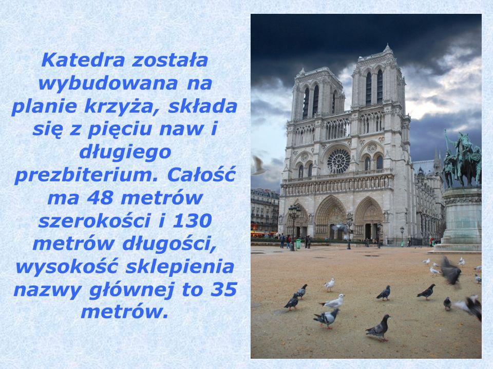 Katedra została wybudowana na planie krzyża, składa się z pięciu naw i długiego prezbiterium. Całość ma 48 metrów szerokości i 130 metrów długości, wy