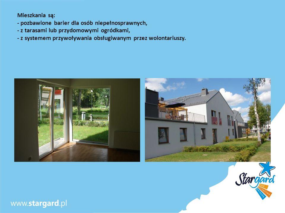Mieszkania są: - pozbawione barier dla osób niepełnosprawnych, - z tarasami lub przydomowymi ogródkami, - z systemem przywoływania obsługiwanym przez