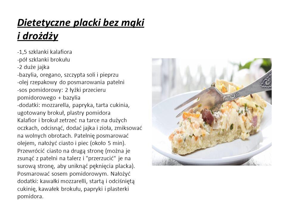 Dietetyczne placki bez mąki i drożdży -1,5 szklanki kalafiora -pół szklanki brokułu -2 duże jajka -bazylia, oregano, szczypta soli i pieprzu -olej rzepakowy do posmarowania patelni -sos pomidorowy: 2 łyżki przecieru pomidorowego + bazylia -dodatki: mozzarella, papryka, tarta cukinia, ugotowany brokuł, plastry pomidora Kalafior i brokuł zetrzeć na tarce na dużych oczkach, odcisnąć, dodać jajka i zioła, zmiksować na wolnych obrotach.