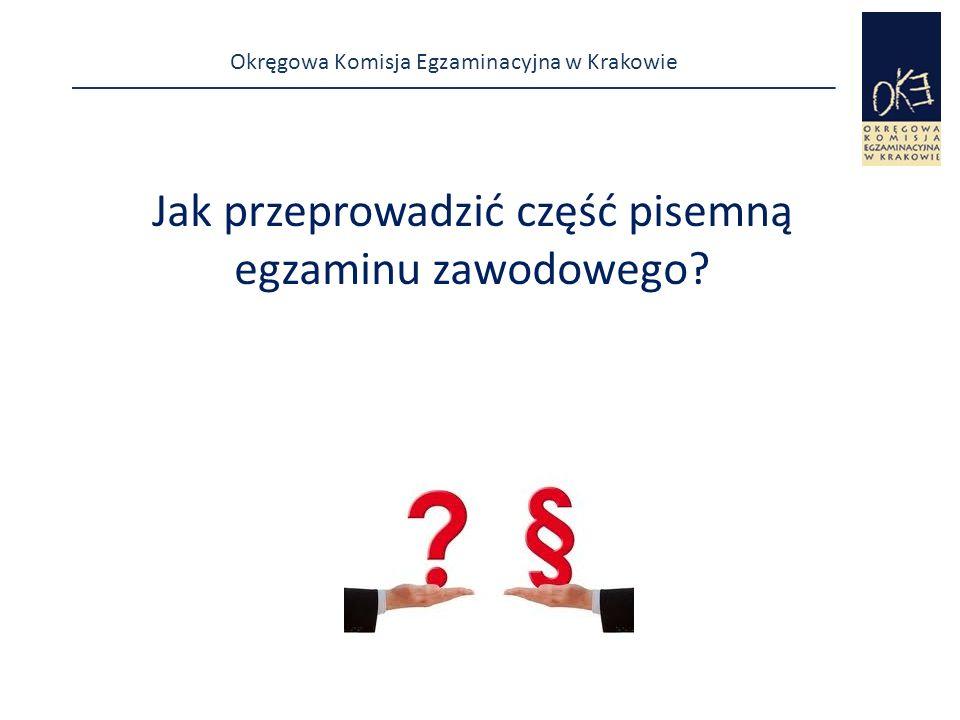 Okręgowa Komisja Egzaminacyjna w Krakowie dzień przed egzaminem lub w dniu egzaminu  sprawdza w obecności asystenta technicznego przygotowanie stanowisk egzaminacyjnych i stanowiska rezerwowego pod względem:  zapewnienia samodzielności pracy zdających,  spełnienia wymogów bhp,  kompletności wyposażenia stanowisk i zaopatrzenia w materiały (produkty) do wykonania zadań, (zgodność ze szczegółową specyfikacją przekazaną przez CKE).
