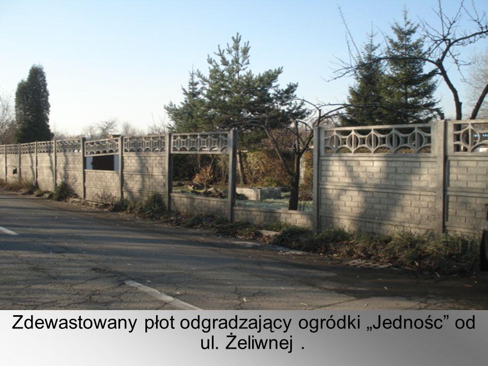 """Zdewastowany płot odgradzający ogródki """"Jednośc"""" od ul. Żeliwnej."""