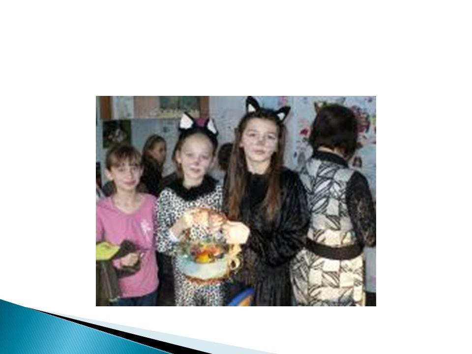  6 grudnia 2011 r.w naszej szkole został zorganizowany Festyn Świąteczno-Rodzinny.