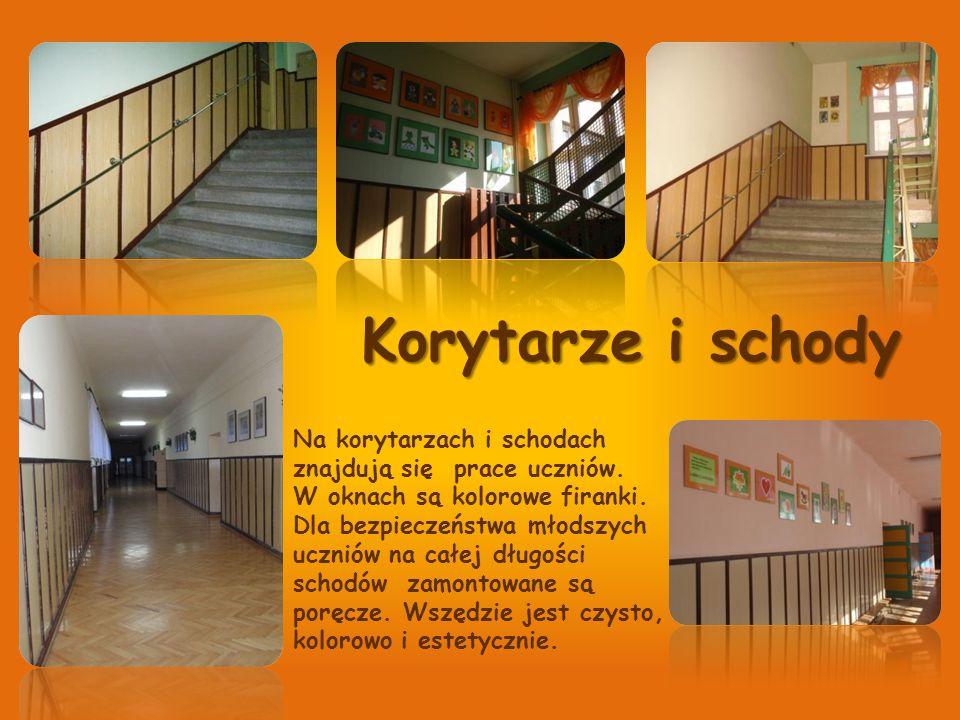Korytarze i schody Na korytarzach i schodach znajdują się prace uczniów. W oknach są kolorowe firanki. Dla bezpieczeństwa młodszych uczniów na całej d