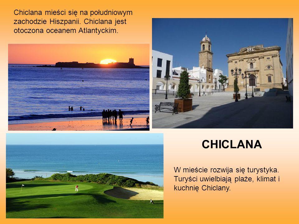 W mieście rozwija się turystyka. Turyści uwielbiają plaże, klimat i kuchnię Chiclany.