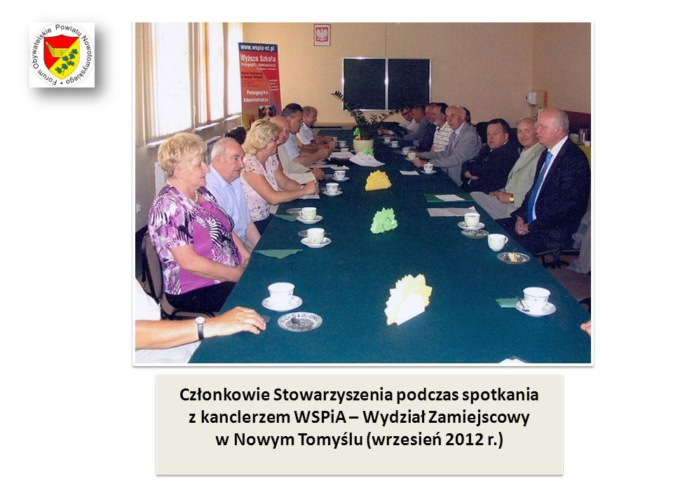 Członkowie Stowarzyszenia podczas spotkania z kanclerzem WSPiA – Wydział Zamiejscowy w Nowym Tomyślu (wrzesień 2012 r.)