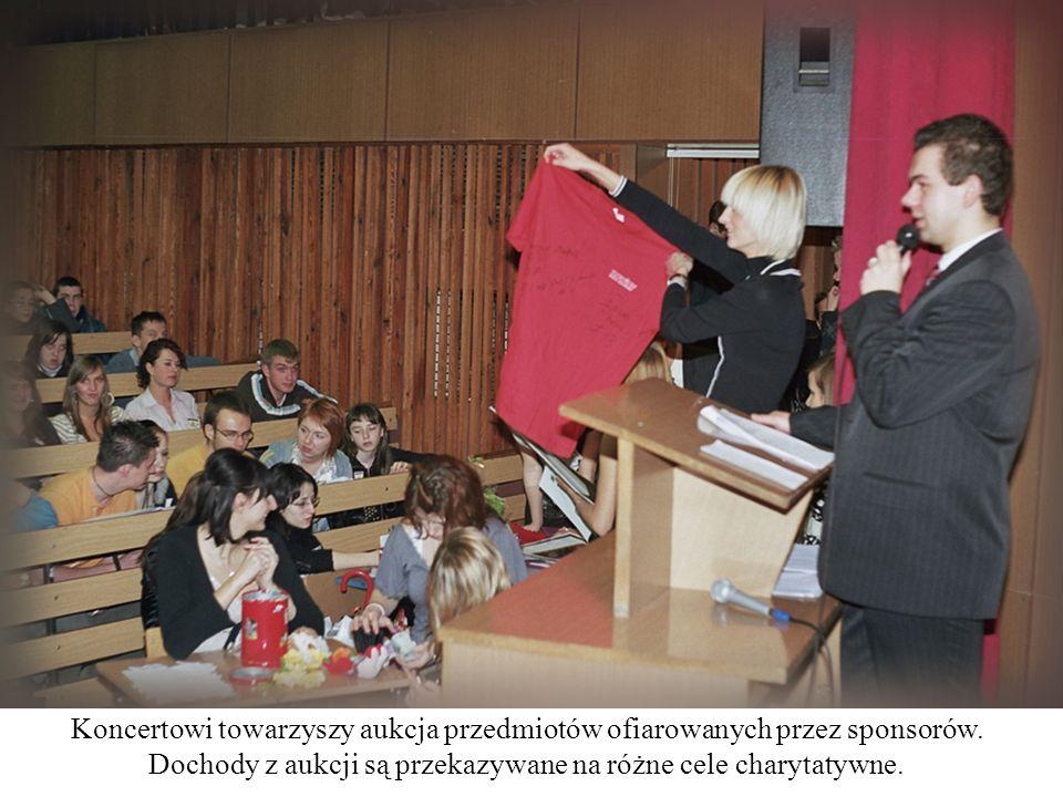 Koncertowi towarzyszy aukcja przedmiotów ofiarowanych przez sponsorów.