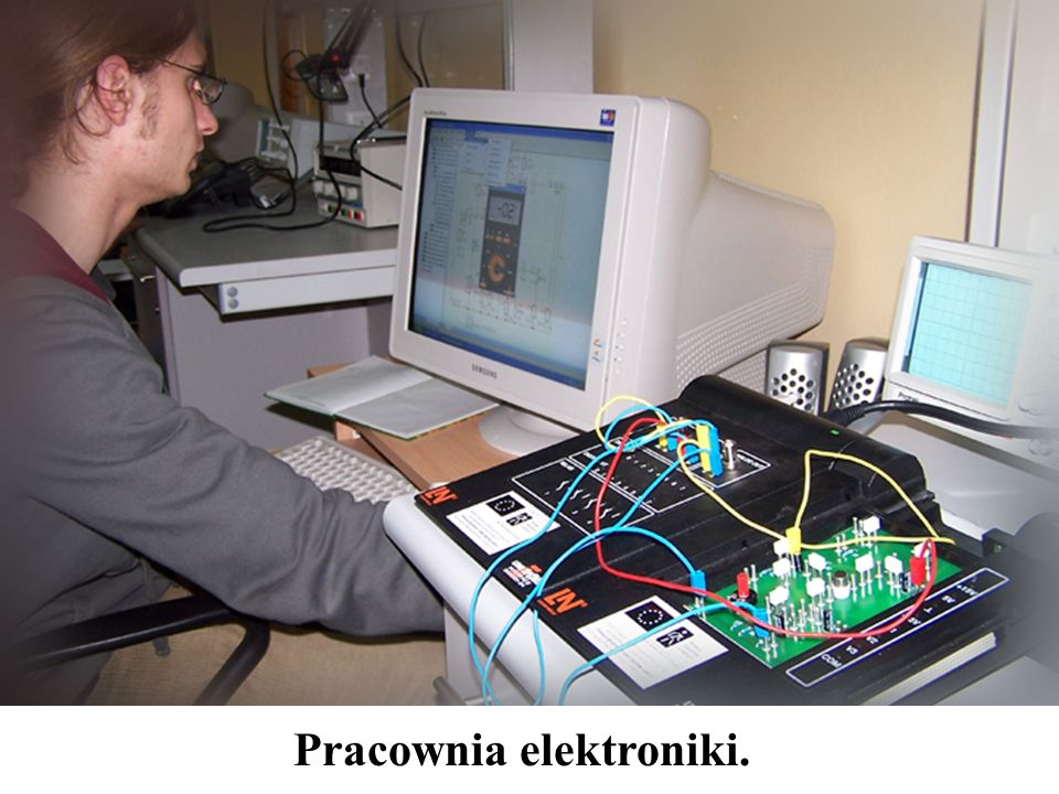 Pracownia elektroniki.