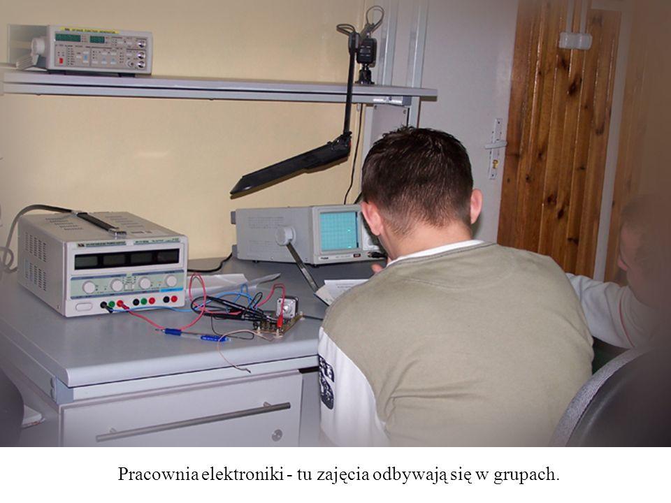 Pracownia elektroniki - tu zajęcia odbywają się w grupach.