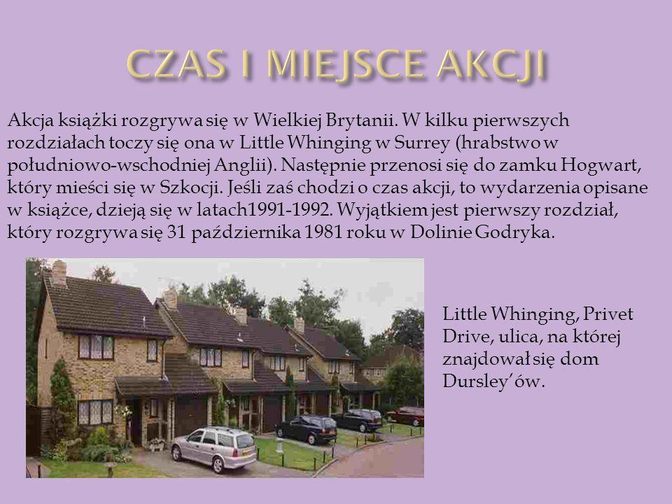 Akcja książki rozgrywa się w Wielkiej Brytanii. W kilku pierwszych rozdziałach toczy się ona w Little Whinging w Surrey (hrabstwo w południowo-wschodn