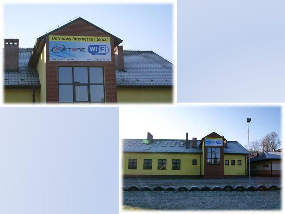 Zasięg HotSpota - Publiczne Gimnazjum Nr 2 w Stróży Zasięgiem obejmuje całą powierzchnię boiska sportowego położonego przy szkole od północnej strony budynku.