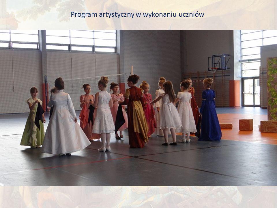 Program artystyczny w wykonaniu uczniów