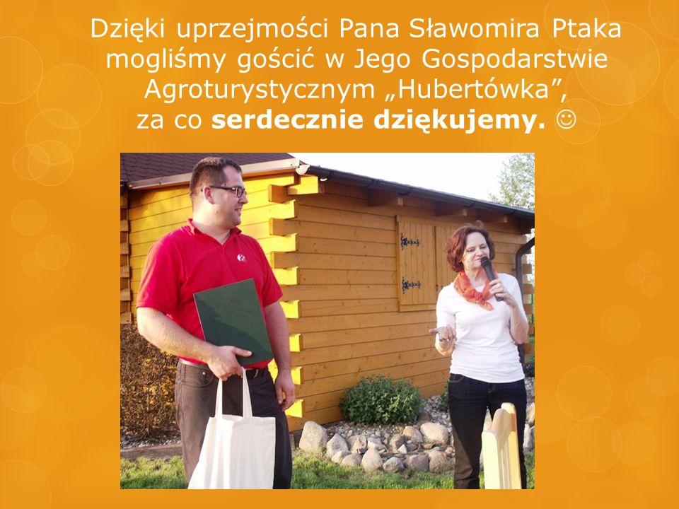 """Podczas rajdu nad wszystkimi """"czuwała pomoc medyczna czyli nasza wolontariuszka – pielęgniarka – Elżbieta Musiałowska."""